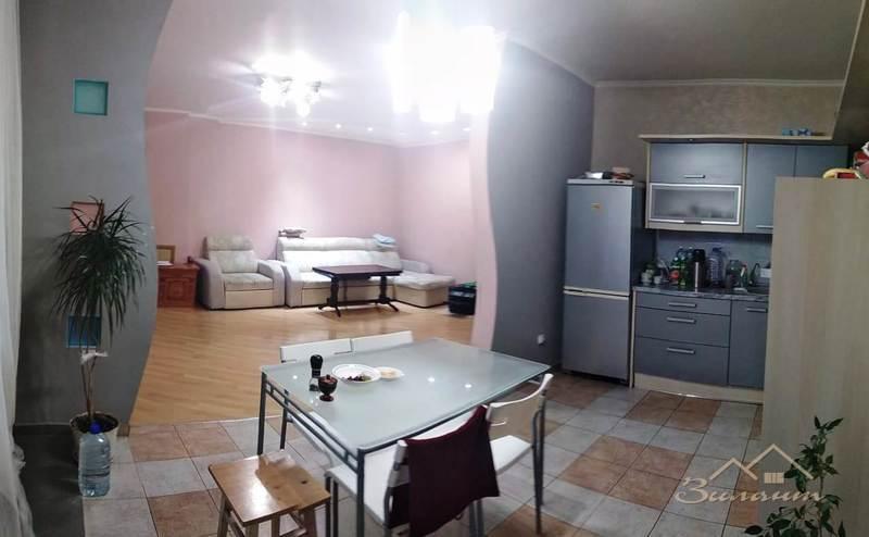 Продажа 4-к квартиры Адоратского, 2